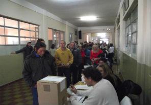 El gobierno reglamentó la distribución de espacios para la campaña electoral