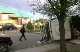 Quería chocar contra las cajas fuertes en la casa de los Kirchner y terminó volcando su camión