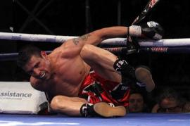 Vergüenza: solo los jueces vieron ganar a Maravilla, que cayó dos veces a la lona