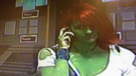 Buscan a la Increíble Hulk que atacó brutalmente a una joven