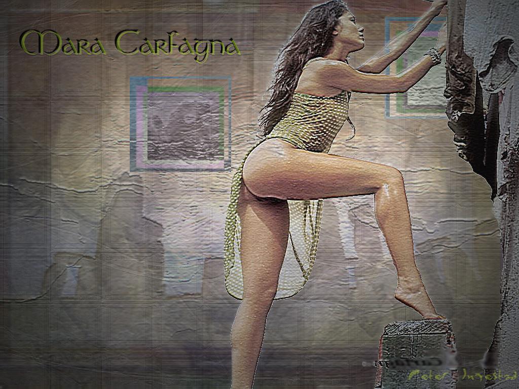 http://www.sitiosargentina.com.ar/imagenes-2008/Mara-Carfagna-4.jpg