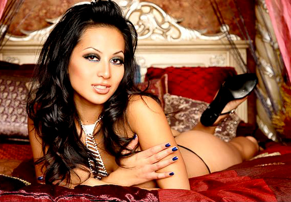 Paper Tabloid Stars  Nina Mercedjez   Photo Colection