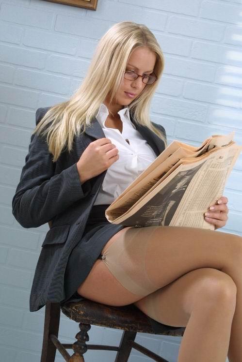 ver mujeres en minifalda