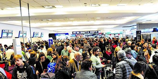 Caos en Aeroparque: Mas de 100 vuelos cancelados