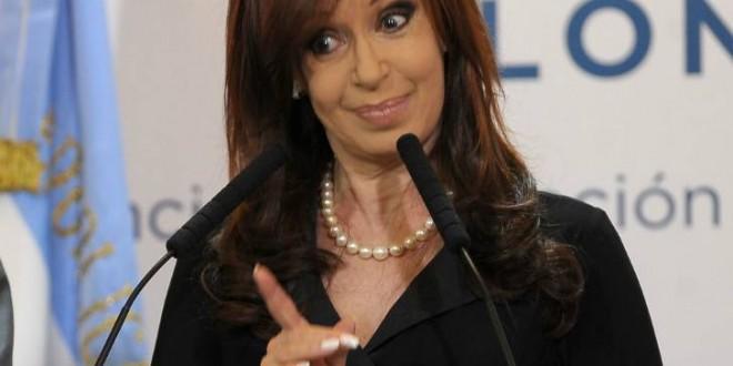 """Cristina Fernández de Kirchner : Clarín y La Nación son una """"fábrica de mentiras y operaciones políticas"""""""