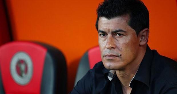Son 5 los candidatos para suceder a Almirón en Independiente