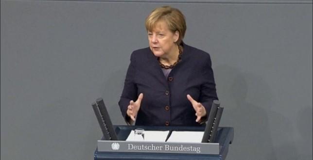 Merkel pidió que la cumbre de París genere un acuerdo para reducir el calentamiento global