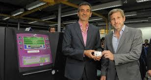 Randazzo y Frigerio recorrieron la fábrica de DNI y pasaportes