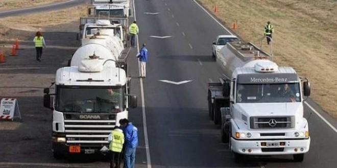 Restricción para los camiones en el fin de semana largo