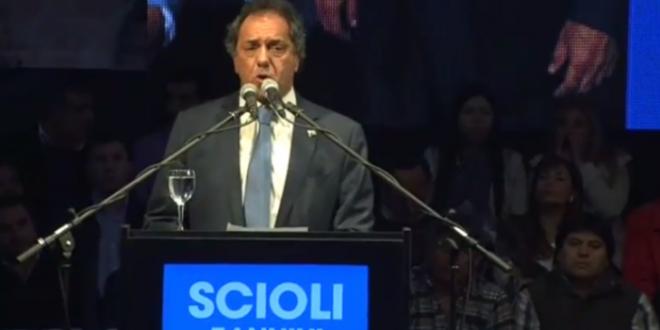 Scioli acumula respaldo de intelectuales, científicos y referentes de distintos sectores políticos