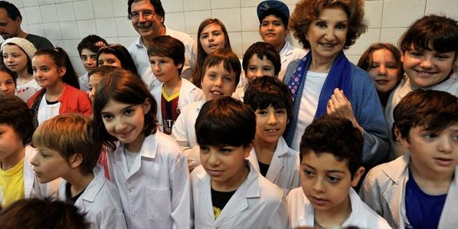 Sileoni y Norma Aleandro llevarán cuentos a una escuela de Avellaneda