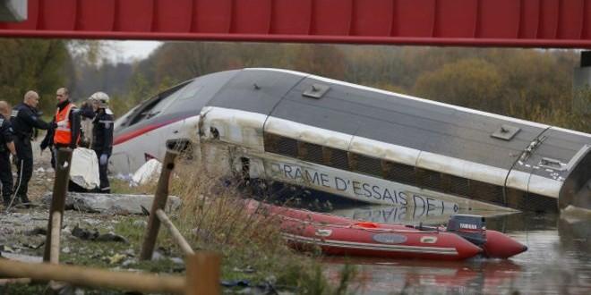 10 muertos y 12 heridos al descarrilar un tren de alta velocidad en Francia