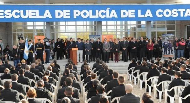 Scioli inauguró ciclo lectivo de escuela de policías en la Costa