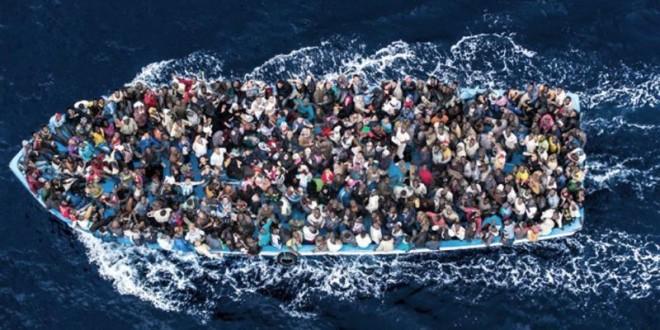 Italia rescató a más de 4.000 inmigrantes y recuperó un cadáver