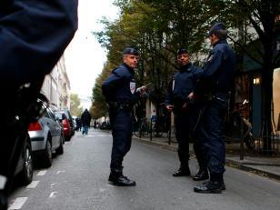 Un hombre armado con un fusil ingresó a un diario e hirió a un fotógrafo