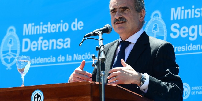Entregan 1.000 chalecos antibala de fabricación Argentina