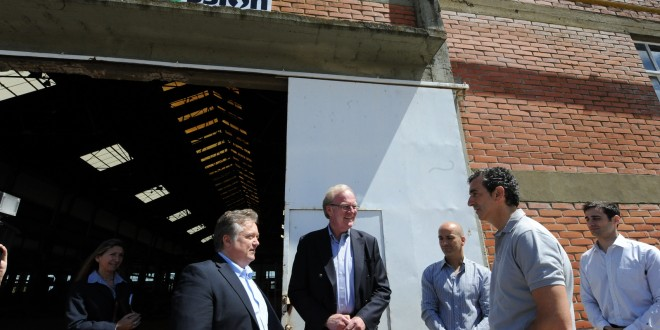 Randazzo visitó la planta ferroviaria recuperada en La Plata