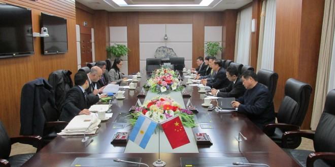 La delegación público-privada a la feria pesquera china de Dalian estrechó vínculos y amplió el margen exportador