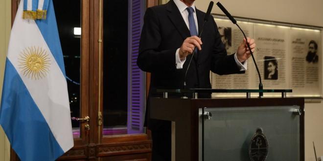 Timerman celebró acuerdo nuclear de potencias e Irán