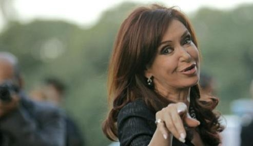 Cristina Kirchner sube 7 puntos de imagen tras su licencia