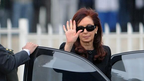 Cristina Kirchner retomaría sus funciones el lunes pero con restricciones