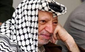 """Palestinos dicen que Israel es el """"único sospechoso"""" del """"asesinato de Yaser Arafat"""