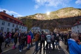 Un pueblo noruego usa espejos para recibir la luz del sol