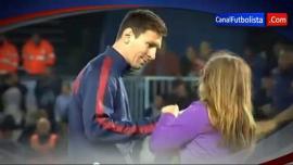 """El gesto de Messi con una nena que se """"coló"""" en la cancha"""