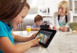 Los niños aprenden a usar la tablet aún antes de hablar