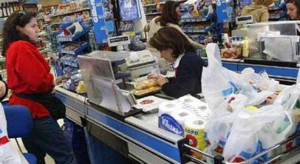 Las ventas en supermercados y shopping subieron hasta 20%