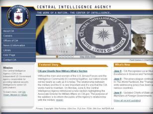 Finge ser agente de la CIA para viajar gratis