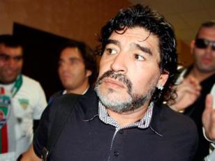 """Maradona afirmó hoy que el balón de oro de la FIFA """"debería ganarlo"""" el portugués Cristiano Ronaldo"""