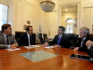 Scioli y Capitanich se reunieron con autoridades del Senado y diputados bonaerenses
