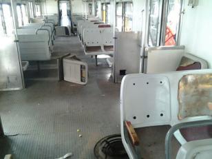 """Así quedaron los vagones del ferrocarril Sarmiento tras los """"festejos"""" de hinchas de Boca"""
