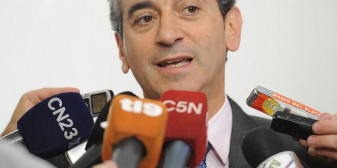 "Randazzo reclamó a la UTA levantar ""de manera inmediata"" el paro"
