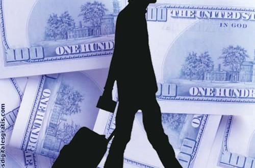 AFIP está autorizando 4 millones de dólares diarios a los turistas