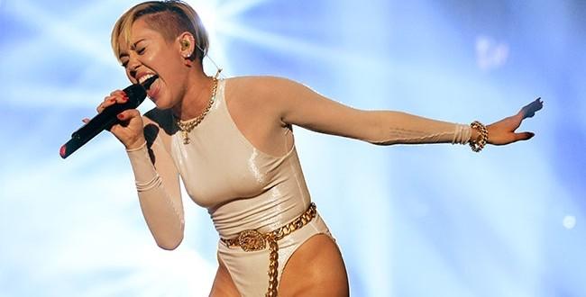 Miley Cyrus - Adore You - Letra y video