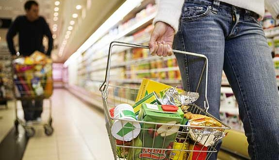 Capitanich anunció acuerdos voluntarios de precios sobre 184 productos básicos de la canasta familiar 2