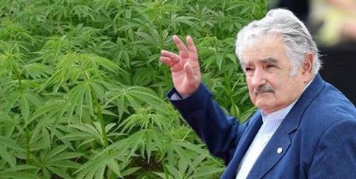 """Mujica: """"Uruguay no va a ser un país de turismo de fumo libre"""""""