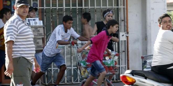 Efecto dominó: se extienden protestas policiales y saqueos en el país