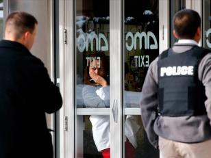 EE.UU: 3 muertos en un tiroteo en centro comercial