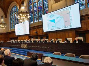 La Corte de La Haya otorga a Perú una parte del mar que estaba bajo control chileno