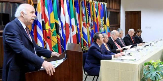 Casamiquela puso en funciones al titular del IICA en Costa Rica