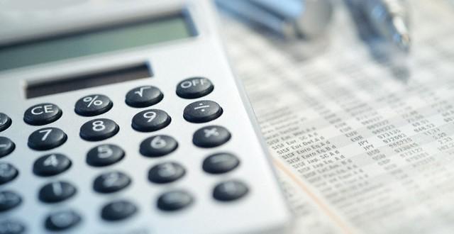 El Gobierno anunciaría aumentos salariales de suma fija por decreto
