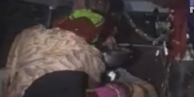 Una mujer de 20 años fue atada a un árbol y luego violada en grupo como castigo por enamorarse