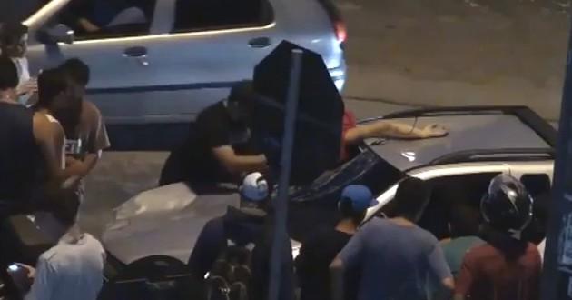 Atropelló a un ciclista y lo llevó muerto en el parabrisas por 6 kilómetros