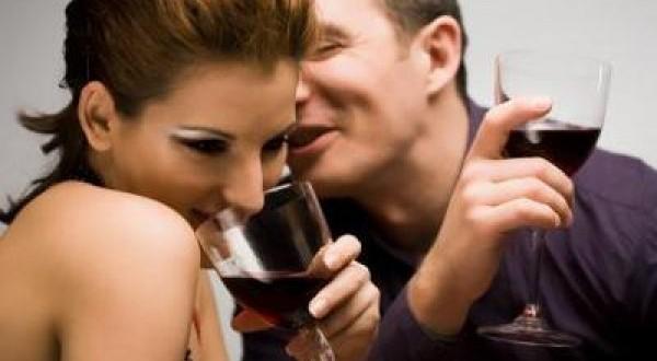 10 señales que emiten las mujeres cuando les gusta un hombre