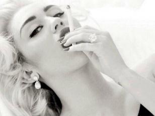 Miley Cyrus al estilo Marylin Monroe
