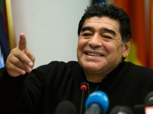 ¿Maradona vuelve al fútbol?