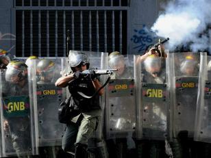Murió otra estudiante en Venezuela , ya son 10 los muertos